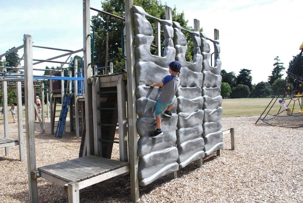 Great road trip rest stop at the Ashburton Domain Playground with climbing walls, swings and slides // Backyard Travel Family