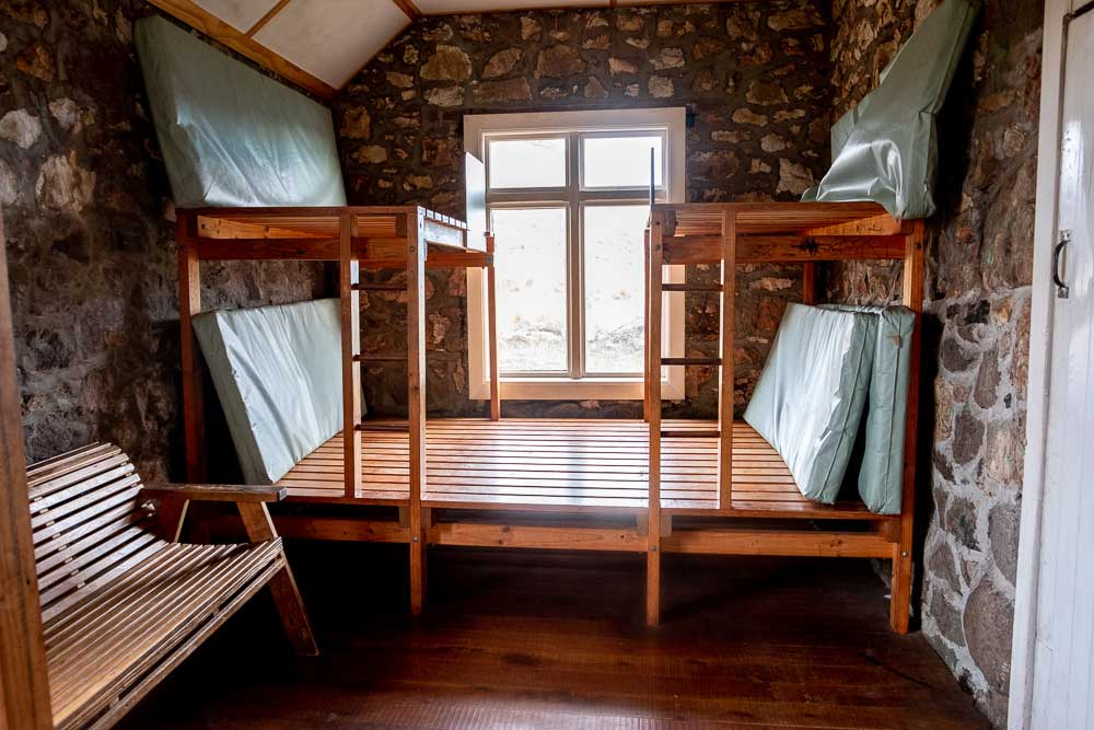 Bunkroom at Packhorse Hut, shared bunks and mattresses, perfect for 9 people. Canterbury, New Zealand