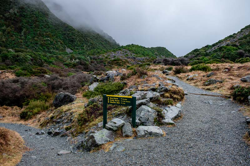 Turning point on the Kea Point Track, where left takes you to the Sealy Tarns Track and Mueller Hut walk, or right takes you to the Kea Point Track