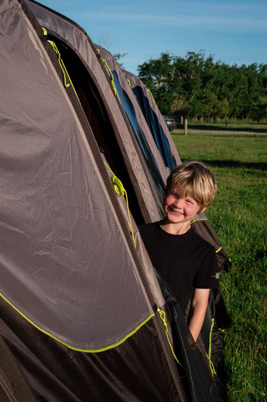 Nathan from Backyard Travel Family loves his Zempire inflatable tent